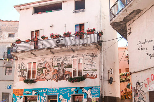 Orgosolo - dosłownie malownicze miasteczko